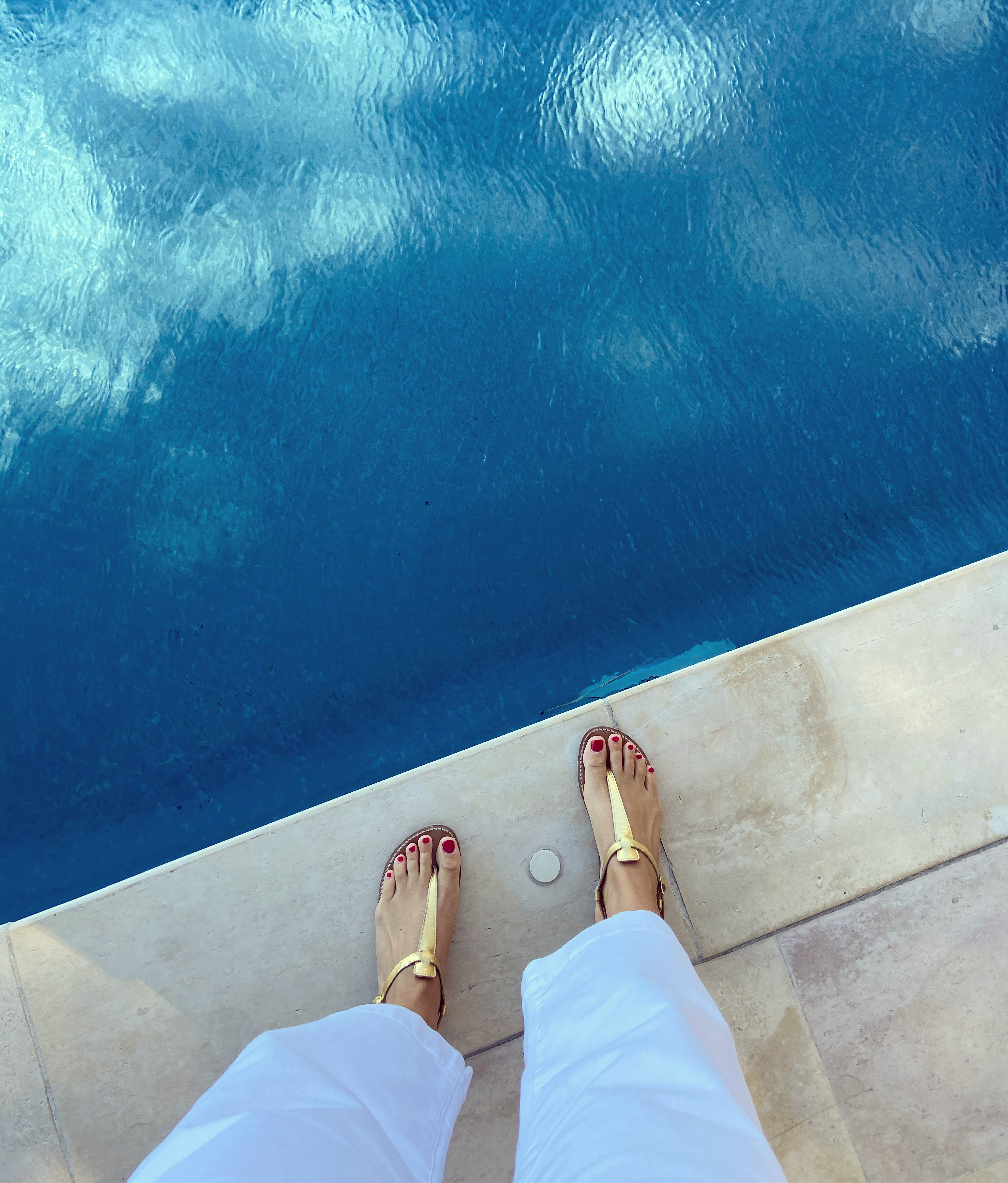 Salomé rondini bord de piscine